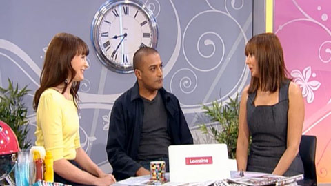 Lorraine Talk to the Press image 2